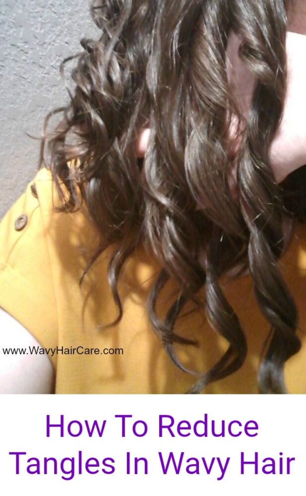 How to reduce tangles in wavy hair