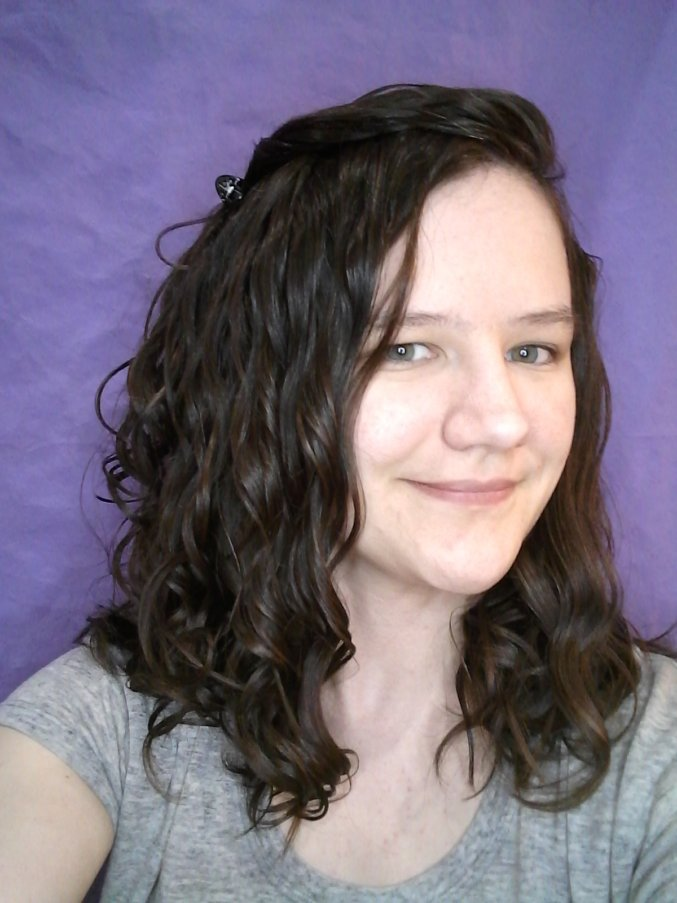 differences in wavy and curly hair