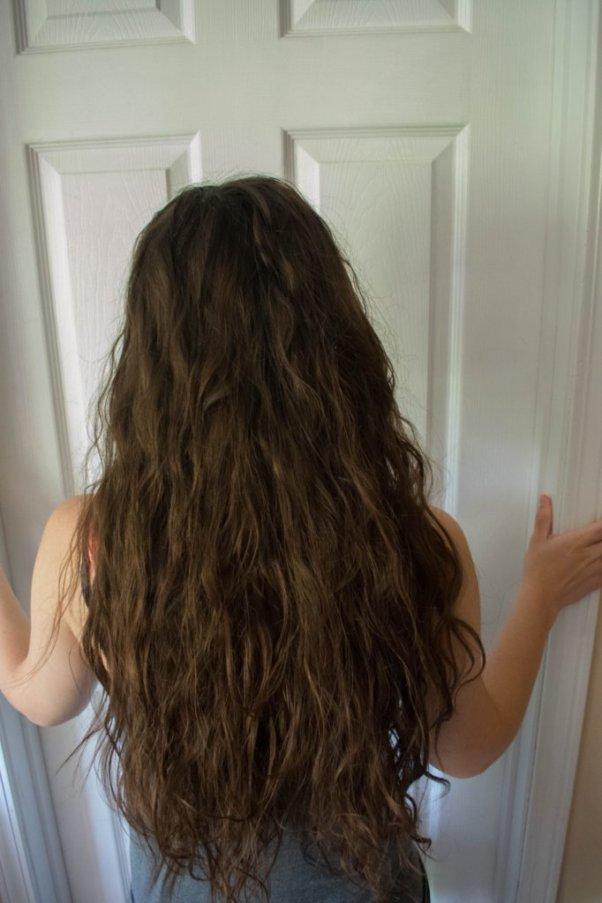 stringy wavy hair