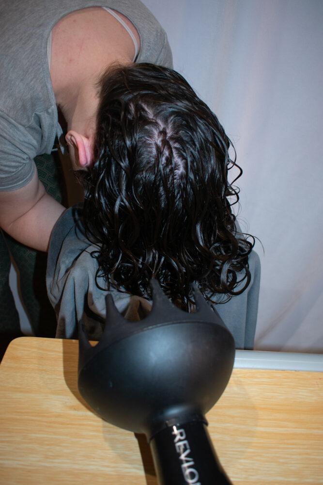 Hammock diffused wavy hair