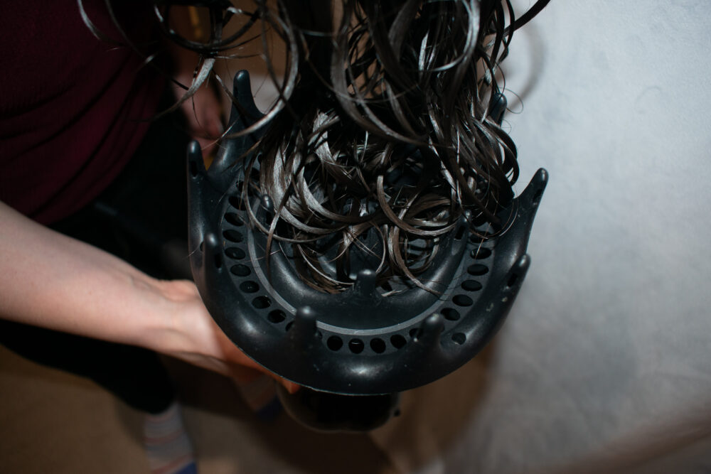 How to load hair into diffuser