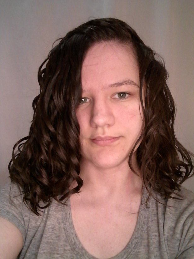 Clarifying wavy hair routine